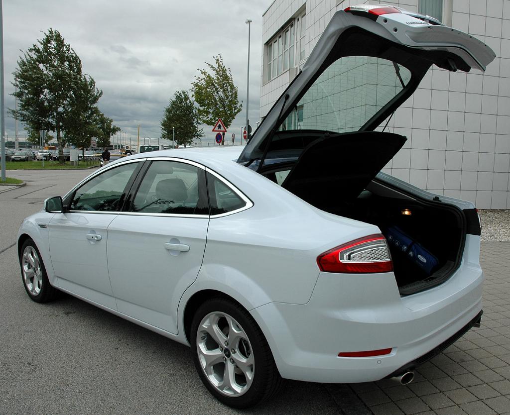 Ford Mondeo: Der Kofferraum fasst je nach Variante unter 550 bis fast 1750 Liter.