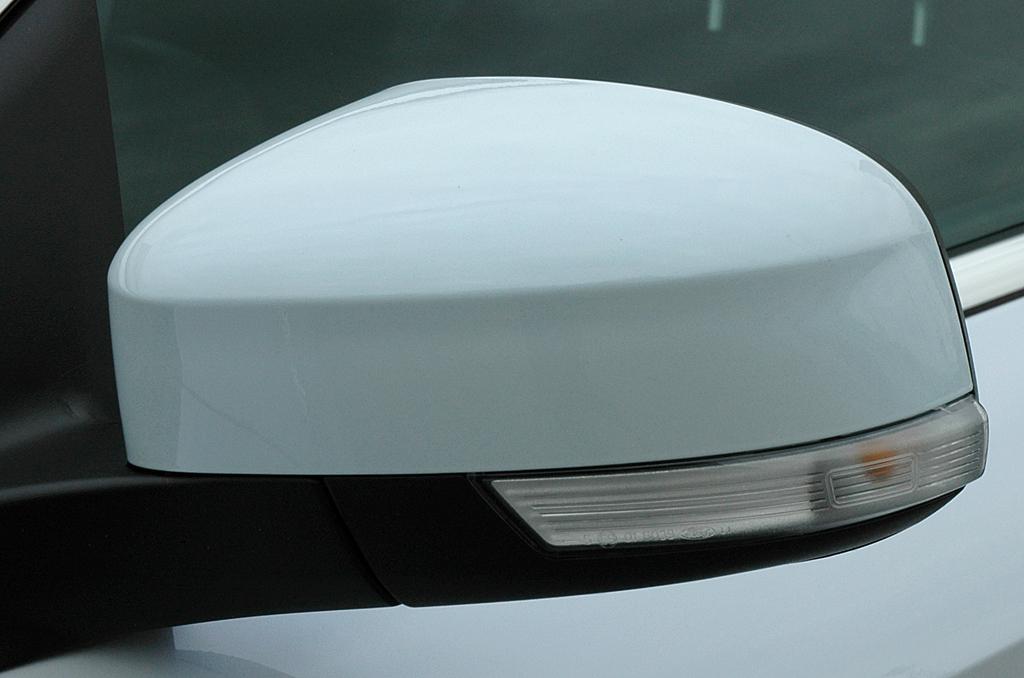Ford Mondeo: In die Außenspiegel sind Blinkerleisten integriert.