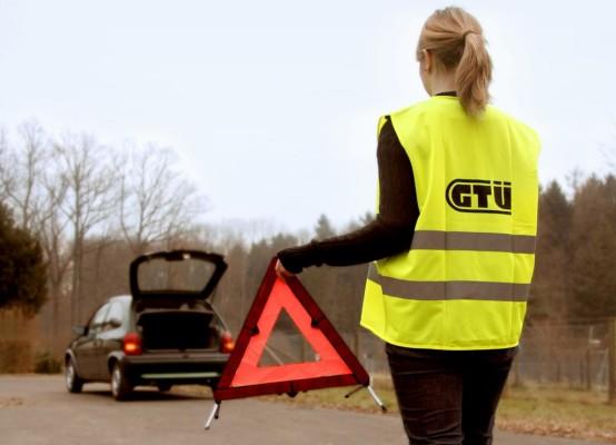 GTÜ: Warnweste gehört in jedes Auto