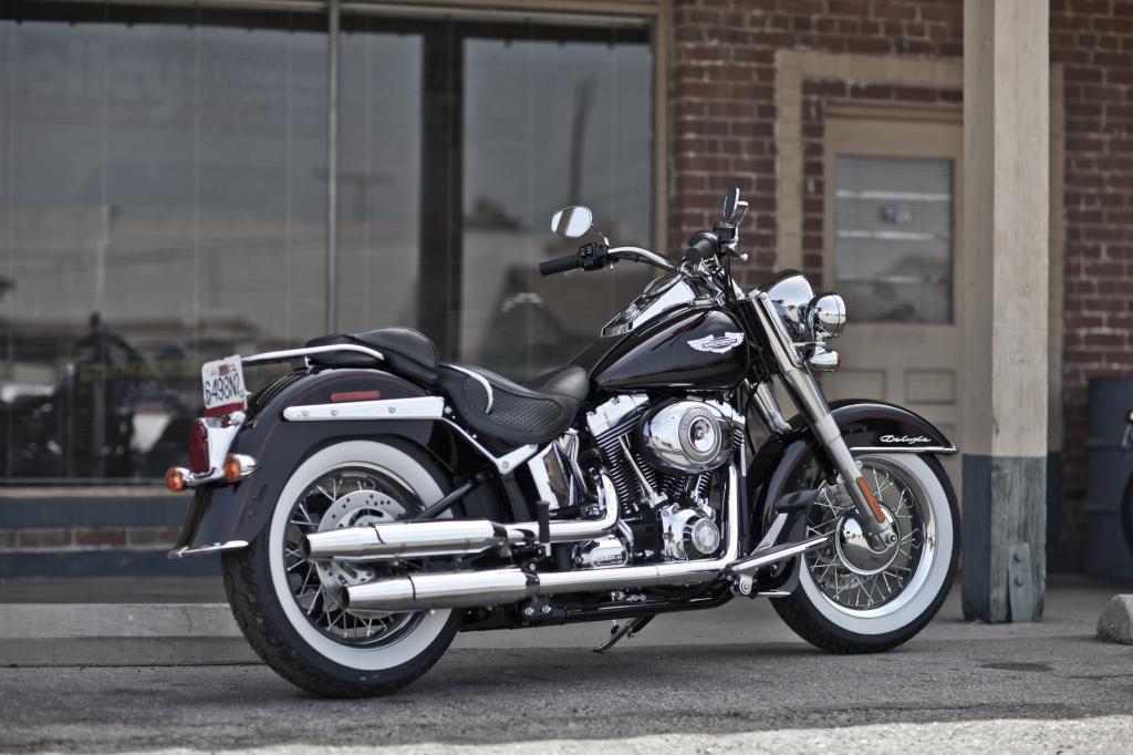 Harley-Davidson Softtail Deluxe.