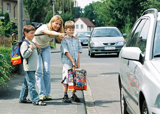 Jedes fünfte Kind wird mit dem Auto zur Schule gebracht