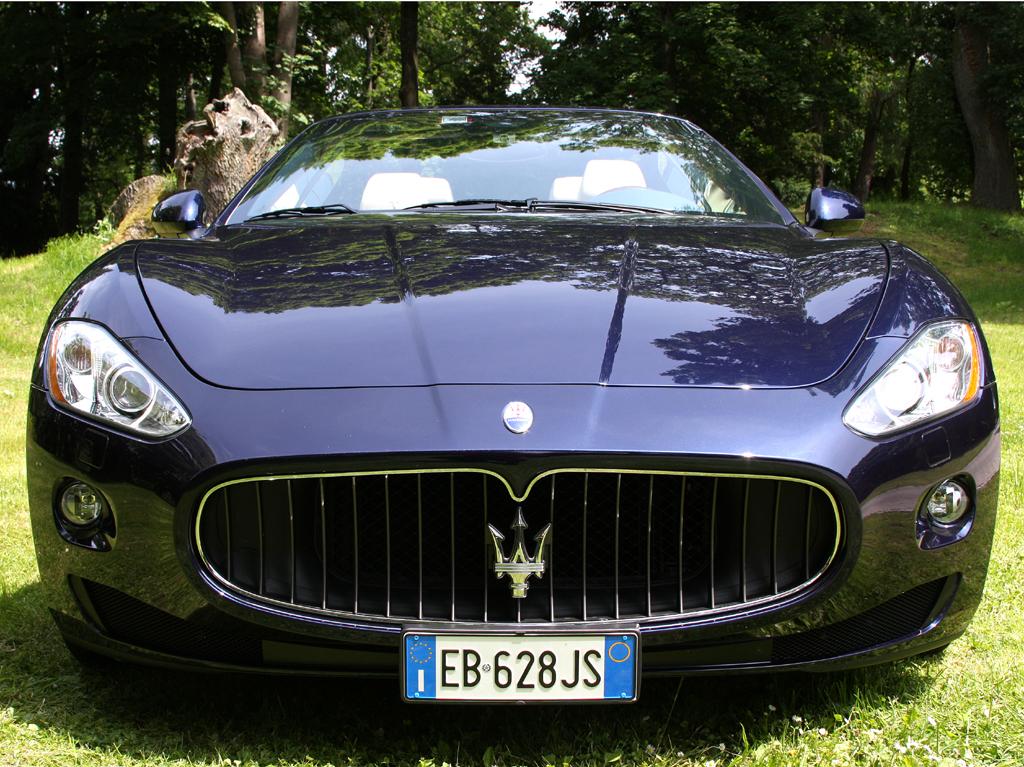 Maserati GranCabrio: Blick auf die Frontpartie der dritten Baureihe im Modellprogramm.
