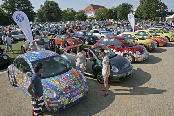 Mehr als 400 Volkswagen New Beetle in Travemünde