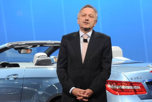 Mercedes-Benz im Gesamtjahr 2010 zweistellig wachsen