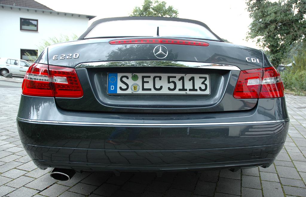 Mercedes E-Klasse Cabrio: Blick auf die Heckpartie.