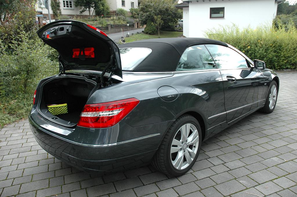 Mercedes E-Klasse Cabrio: Der Kofferraum fasst je nach Verdeckstellung 300 bis 390 Liter.