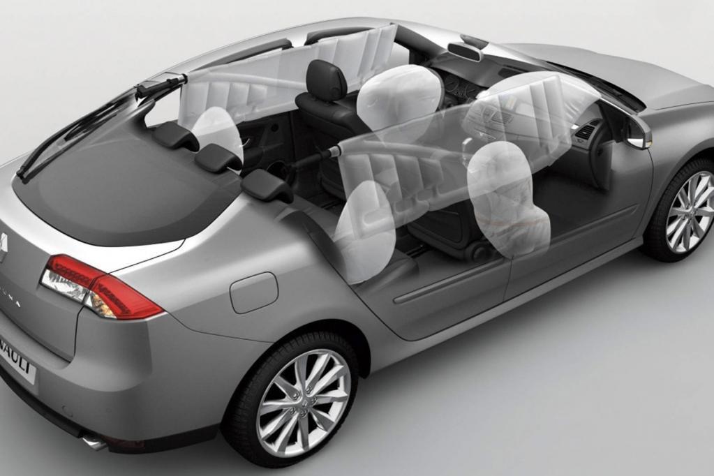 Moderne Pkw mit fünf Sitzplätzen haben in der Regel mindestens sechs Airbags.
