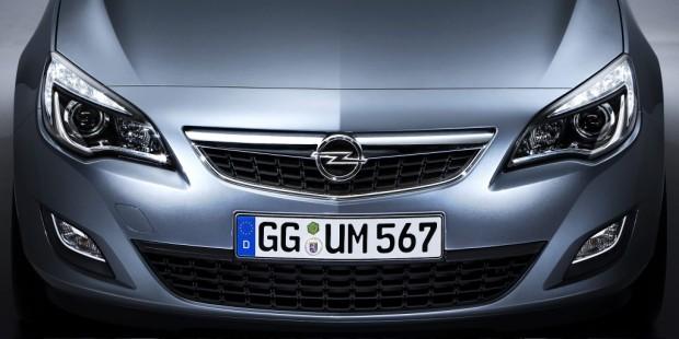 Paris 2010: Opel zeigt Studie GTC Paris und Astra Sports Tourer