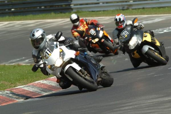 Ratgeber Motorrad: Nervenkitzel Kurve