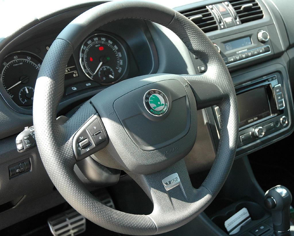 Skoda Fabia RS: Blick ins Cockpit.