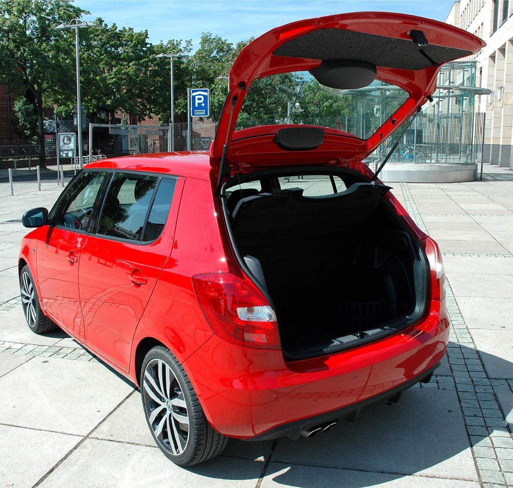 Skoda Fabia RS: Das Stauabteil fasst je nach Variante 300/480 bis 1163/1460 Liter Gepäck