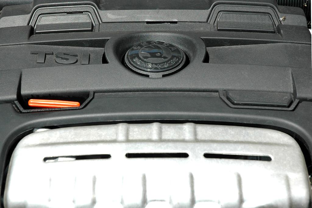 Skoda Fabia RS: Der aufgeladene 1,4-Liter-Benzindirekteinspritzer leistet 180 PS.