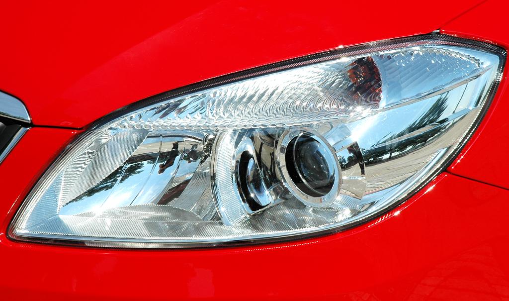 Skoda Fabia RS: Moderne Leuchteinheit vorn.