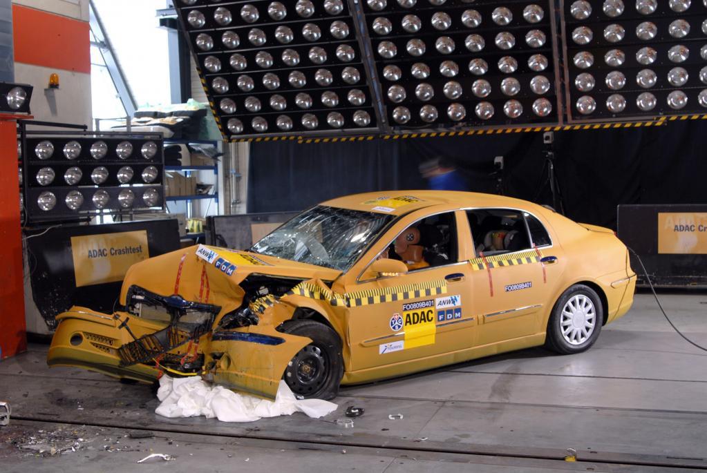 Strengere Crashtests in den USA