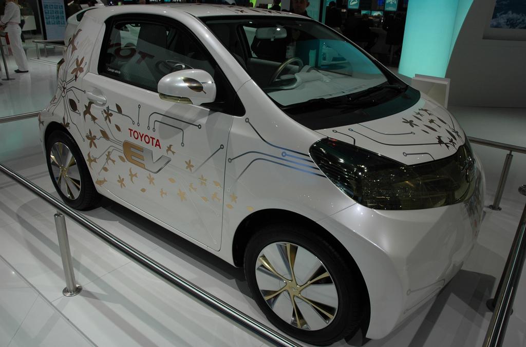 Toyotas iQ mit Alternativantrieb.