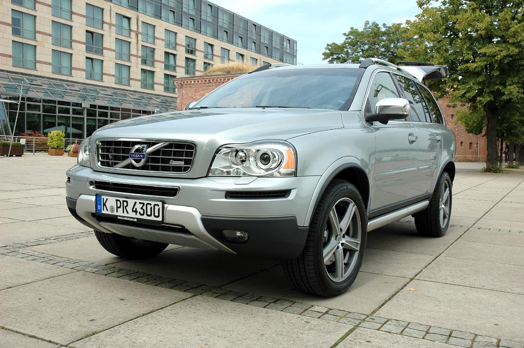 Volvos großes Oberklasse-SUV XC90 ist jetzt auch nur mit Frontantrieb zu haben.