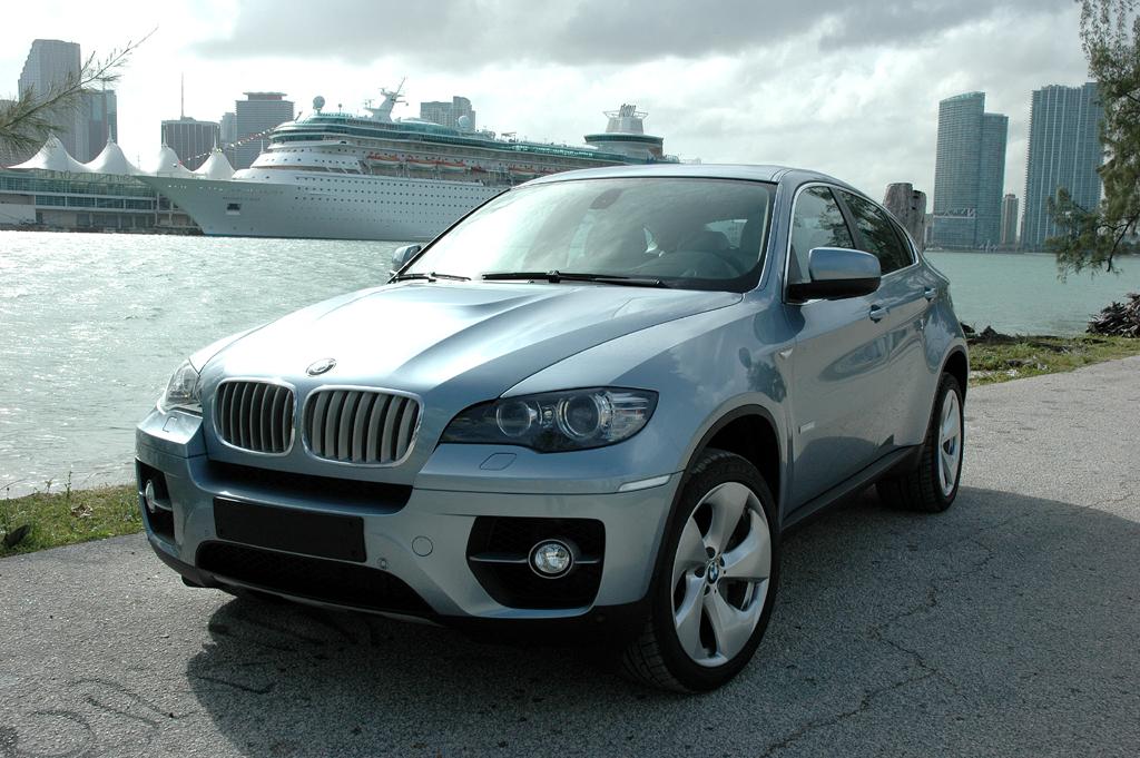 Zukunft des Autos: BMW X6 Active Hybrid bei der Präsentation in Miami.