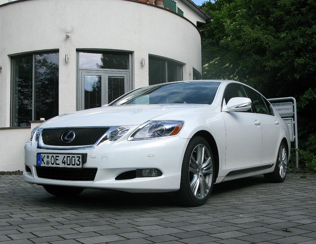 Zukunft des Autos: Lexus-Hybridmodell GS450h.
