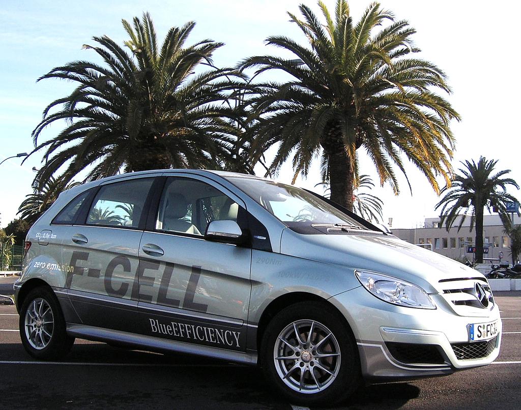Zukunft des Autos: Mercedes-Brennstoffzellen-B-Klasse bei der Präsentation in Nizza.