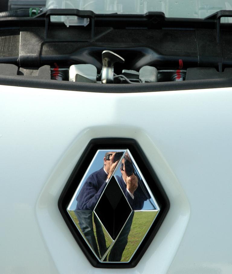 Blick unter die Haube des Renault Kangoo Rapid ZE.