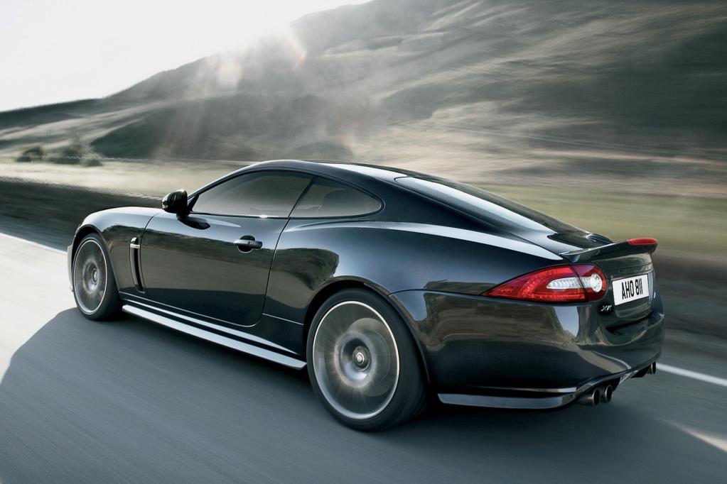 Der Jaguar XKR 75 leistet 390 kW/530 PS.