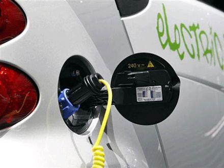 Deutsche Autohersteller für modulares Stecksystem bei Elektrofahrzeugen