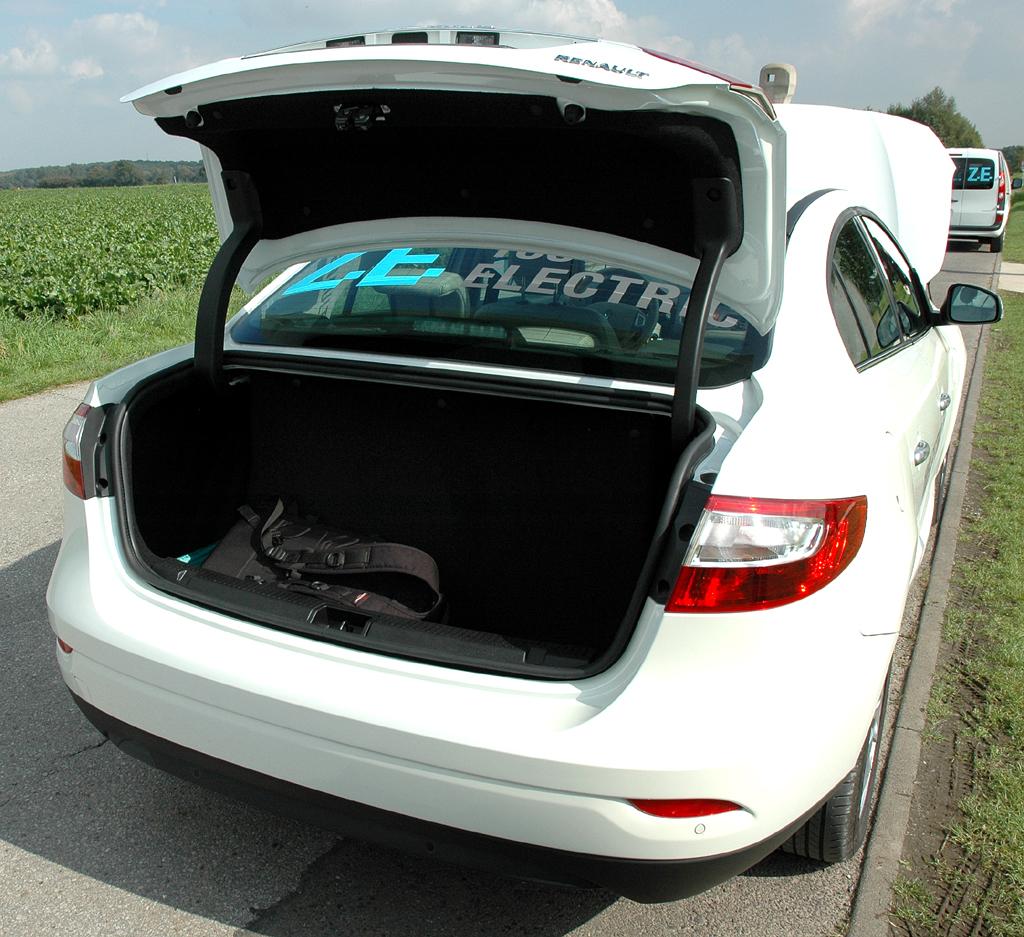 Die Batterien schränken das Ladevolumen beim Renault Fluence ZE ein.