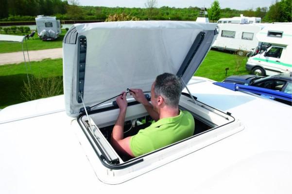 Dometic bietet Sonnenschutz für Reisemobil und Caravan