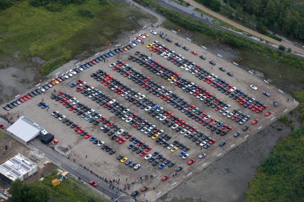 Ein Parkplatz voller MX-5