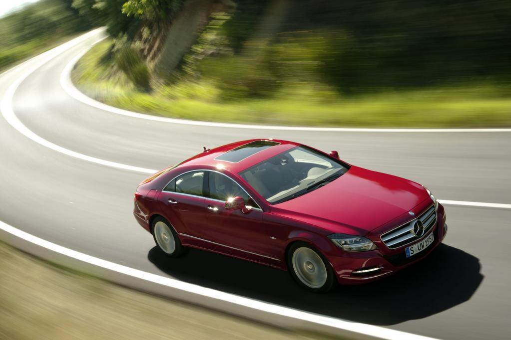 Eine sportliche Abkehr von der Sparsamkeit bildet der Mercedes CLS, der 2011 zu den Händlern rollt.