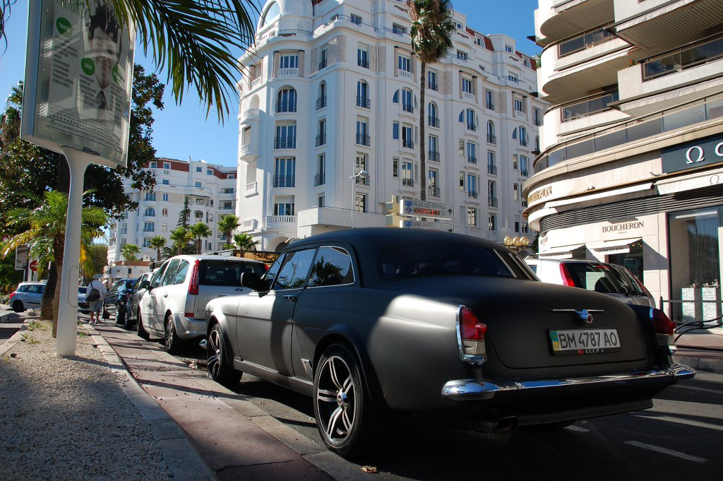 Entdeckt haben wir dieses Modell mitten in Cannes
