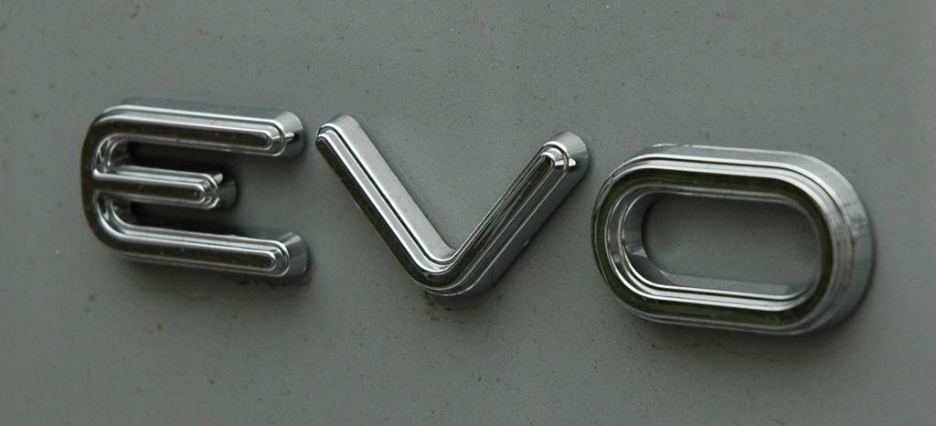 Evo steht bei den Italienern für Evolution in der Mototechnik.