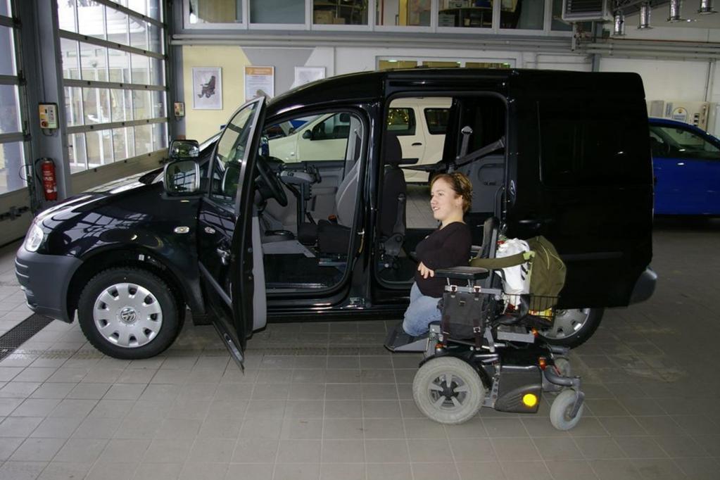 Fahrzeuge mit hohem Dach bieten genügend Platz, um beispielsweise einen Rollstuhl zu verstauen.