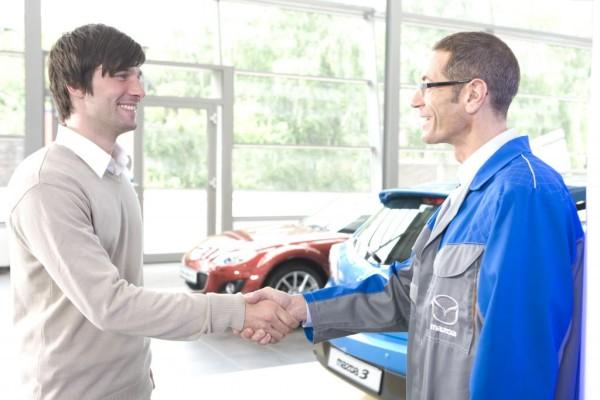 Fast jeder zweite Neuwagenkunde wählt die Mazda-Anschlussgarantie