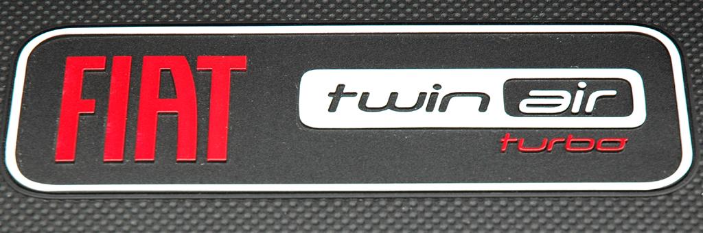 Fiat 500 TwinAir: Zeichen für zukunftsweisende Turbo-Motorentechnologie.