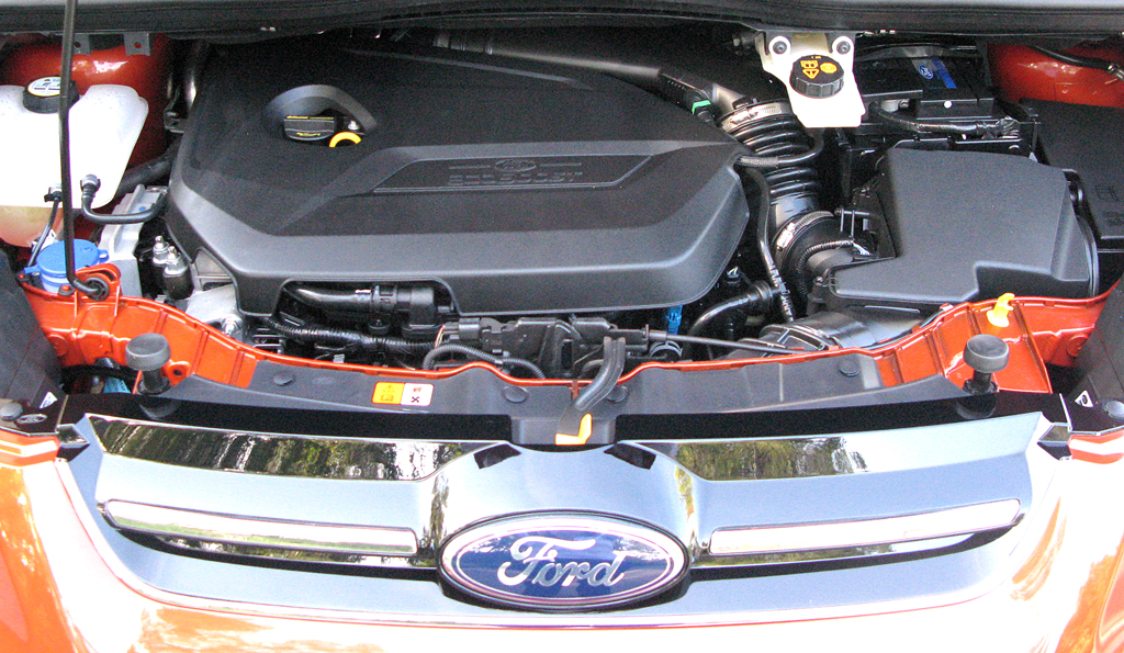 Ford C-Max: Blick unter die Motorhaube.