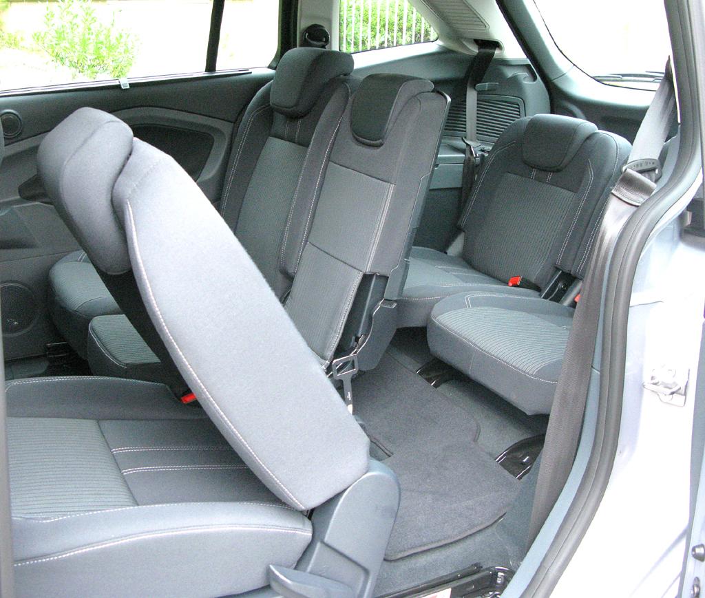Ford Grand-C-Max: Der Siebensitzer kommt mit flexiblem Innenraum-Konzept daher.