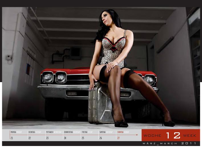 Girls & legendary US-Cars 2011: Carlos Kellá präsentiert 52 Mädchen mit Motoren