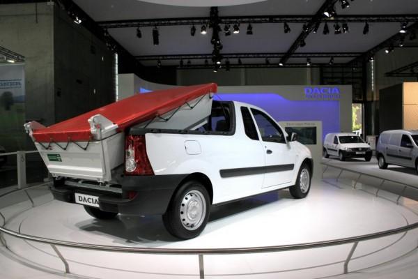 IAA Nutzfahrzeuge 2010: Dacia zeigt Logan mit Hinterkipper
