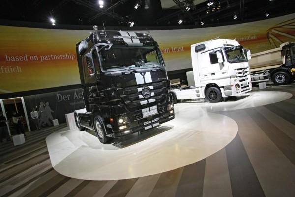 IAA Nutzfahrzeuge 2010: Mercedes-Benz Actros noch sicherer
