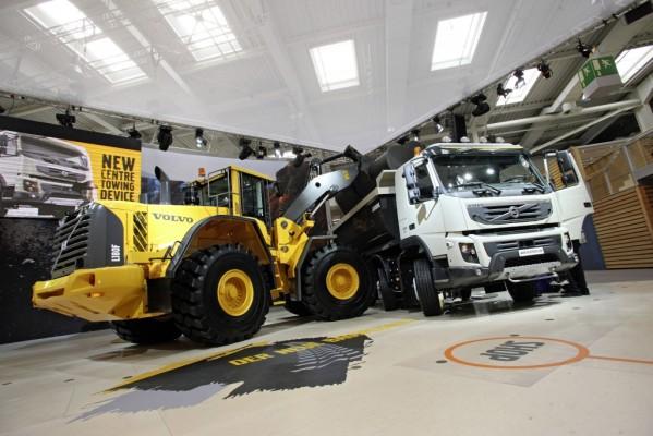 IAA Nutzfahrzeuge 2010: Volvo zeigt FMX und Gas-Diesel-Lkw