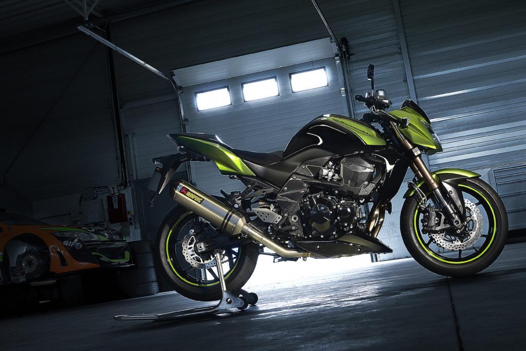 Kawasaki stellt sämtliche neuen Modelle des 2011er Jahrgangs auf der Intermot vor, unter anderem auch die Z-750R.
