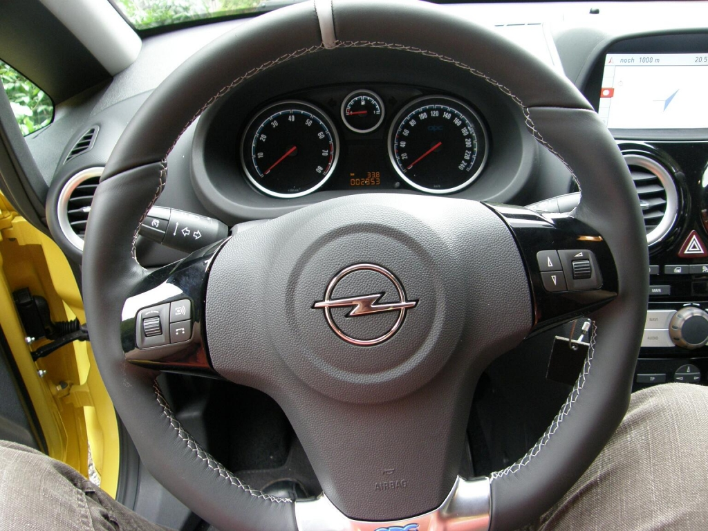 Kurztest Opel Corsa OPC: Klein, schnell, kräftig – und bei Bedarf in Farbe