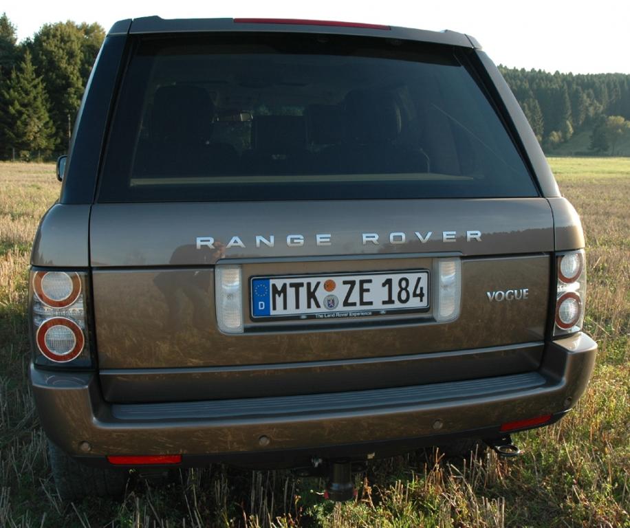 Land Rover Range Rover: Blick auf die Heckpartie.
