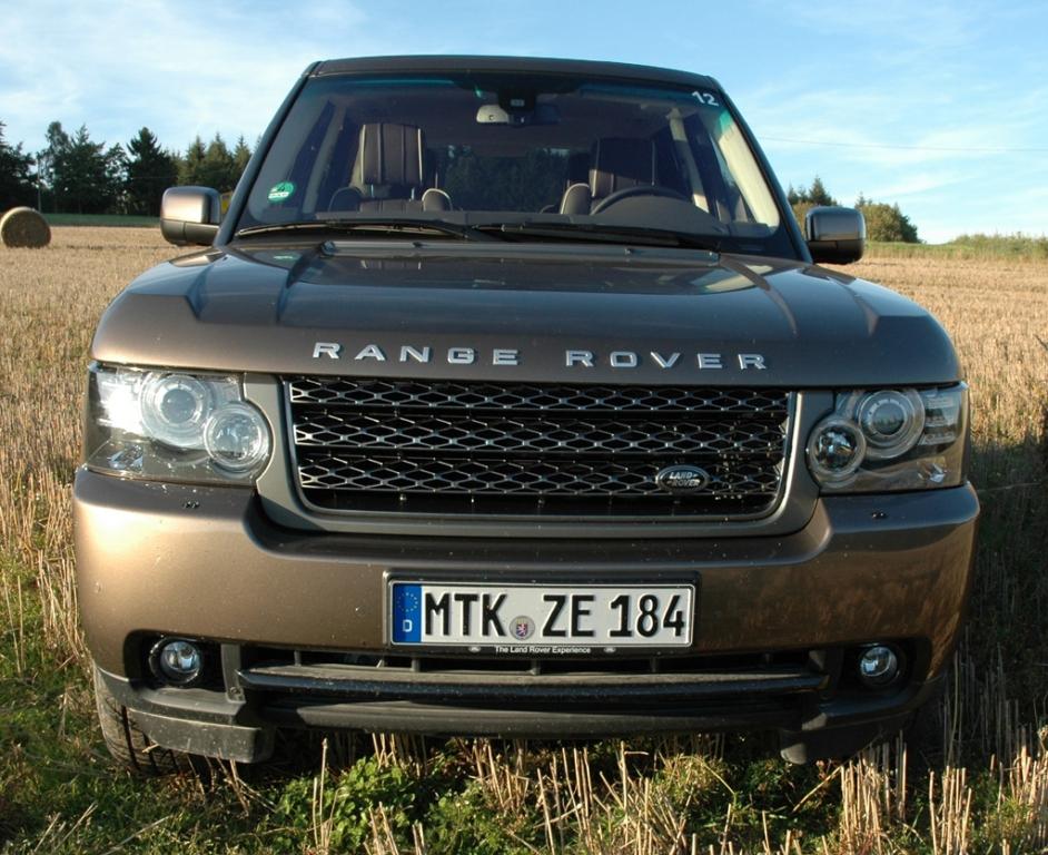 Land Rover Range Rover: Blick auf die wuchtige Frontpartie.