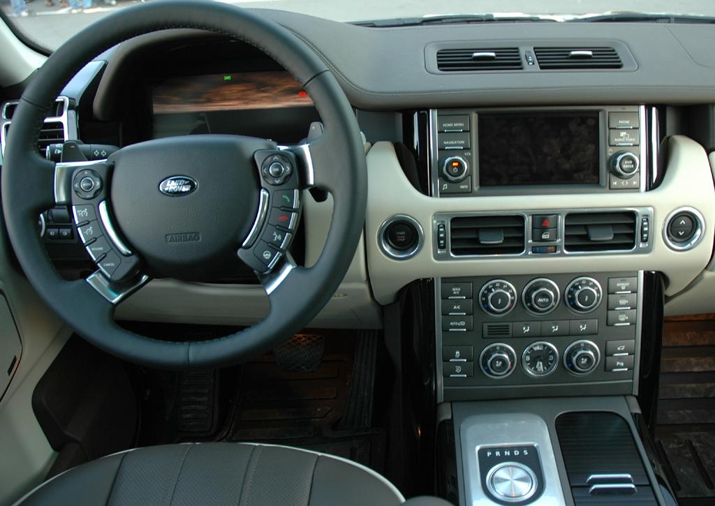 Land Rover Range Rover: Blick ins Cockpit.