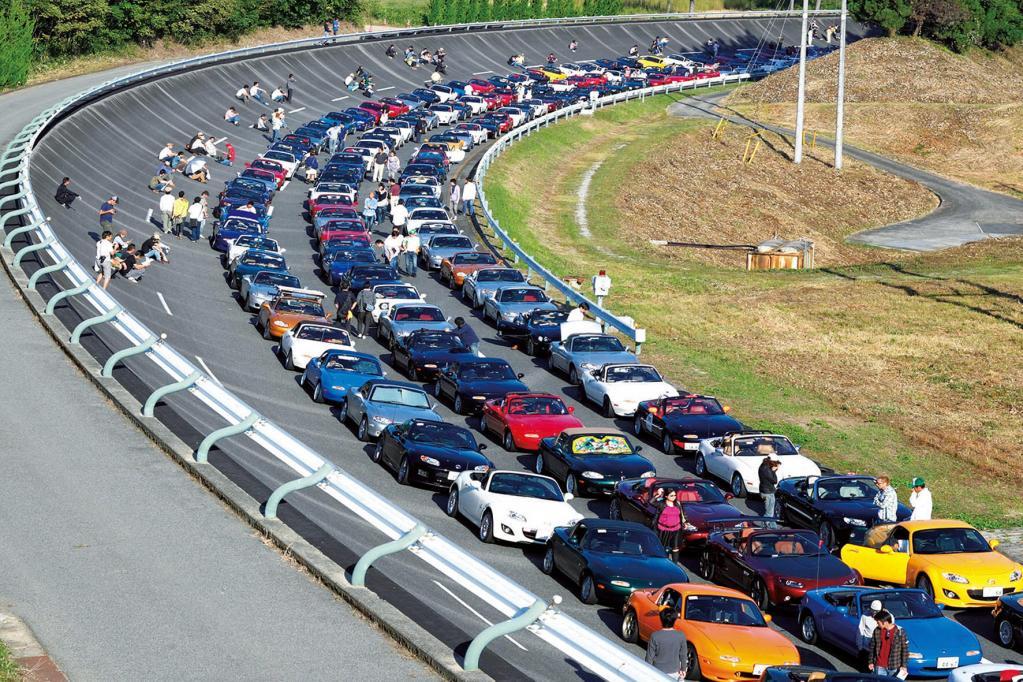 MX-5-Korso: Die wohl längste Mazda-Kette der Welt