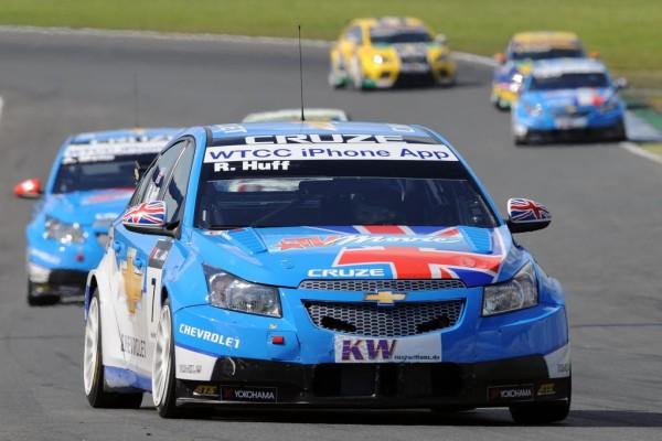 Menu fährt für Chevrolet ersten Sieg in Oschersleben ein