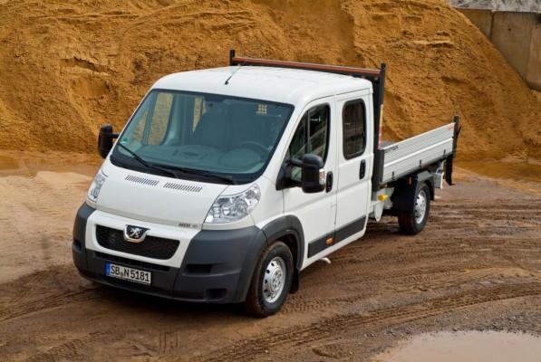 Peugeot bietet Boxer Bison 3-Seiten-Kipper jetzt ab Werk an
