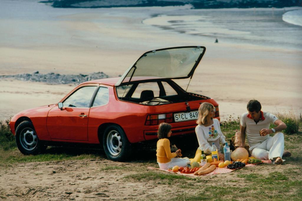 Porsche 924, 1975